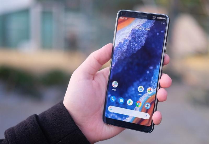 "Новейший смартфон Nokia взломали пачкой жвачки <span class=""color_red"">- ВИДЕО</span>"