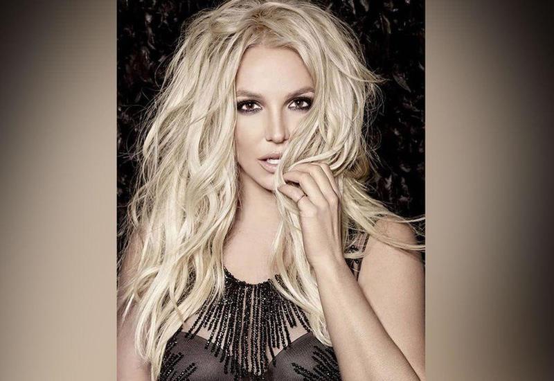 """Бритни Спирс впервые обратилась к фанатам после помещения в психлечебницу <span class=""""color_red"""">- ВИДЕО</span>"""