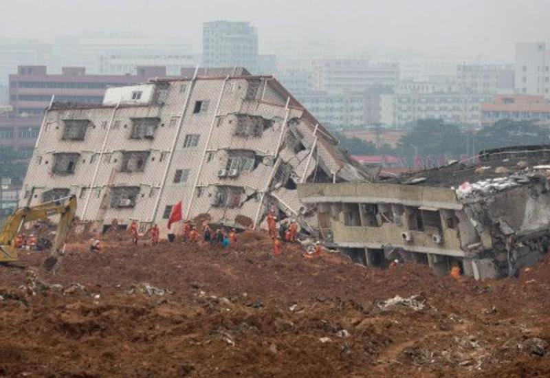 "Оползни разрушили дороги и жилые дома в ЮАР <span class=""color_red"">- ВИДЕО</span>"