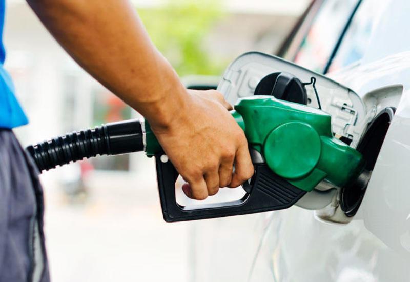 Азербайджанцы стали больше использовать бензин