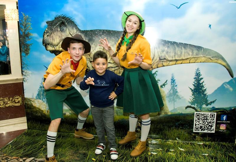 """В Баку впервые представили спектакль """"Мультизавры. Таинственный остров"""" <span class=""""color_red"""">- ФОТО - ВИДЕО</span>"""
