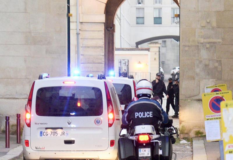 Неизвестные в масках обстреляли кафе во Франции