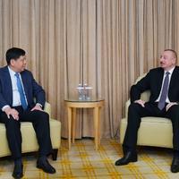"""Президент Ильхам Алиев: Азербайджан заинтересован в активной деятельности в стране крупных китайских компаний <span class=""""color_red"""">- ФОТО</span>"""