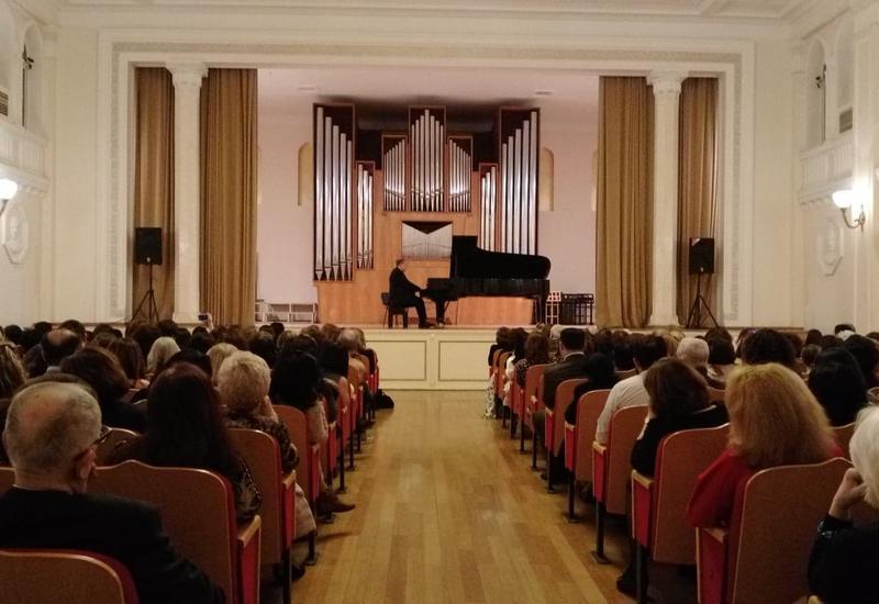 """В Баку прошел великолепный концерт знаменитого пианиста Ефима Бронфмана <span class=""""color_red"""">- ФОТО</span>"""