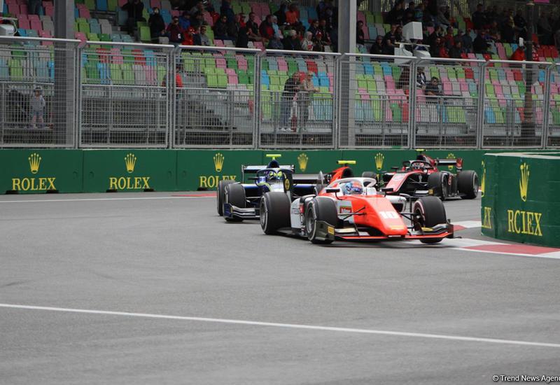 На Гран-при Формулы-1 SOCAR Азербайджан стартовали свободные заезды F2