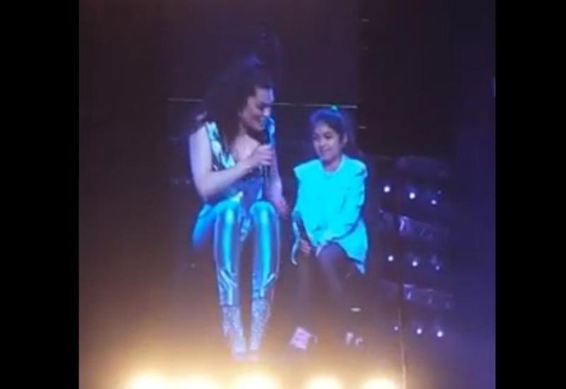 9-летняя азербайджанка спела вместе с Jessie J на формуле-1 в Баку