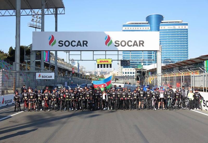 На гоночной трассе Гран-при Формулы-1 Азербайджан состоялся велопробег