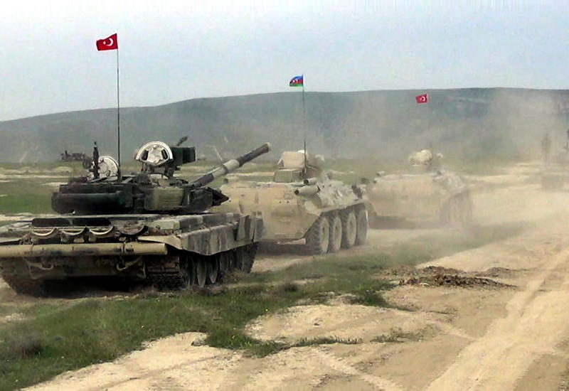 Армяне и Тарасов напуганы учениями в Нахчыване