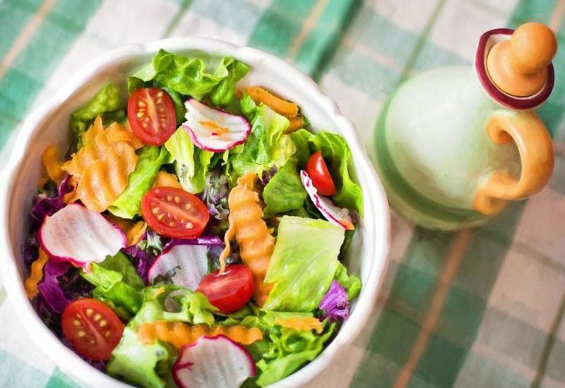 Медики рассказали о пользе для здоровья ежедневного употребления салата