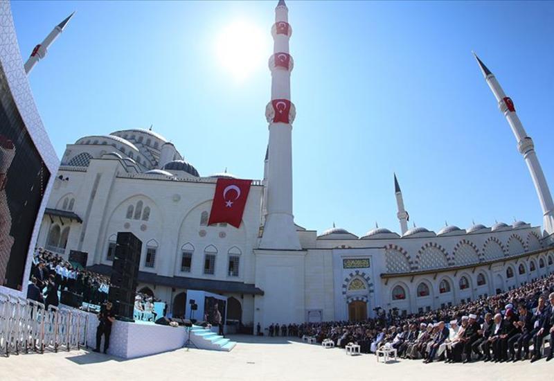 Открылась самая большая турецкая мечеть