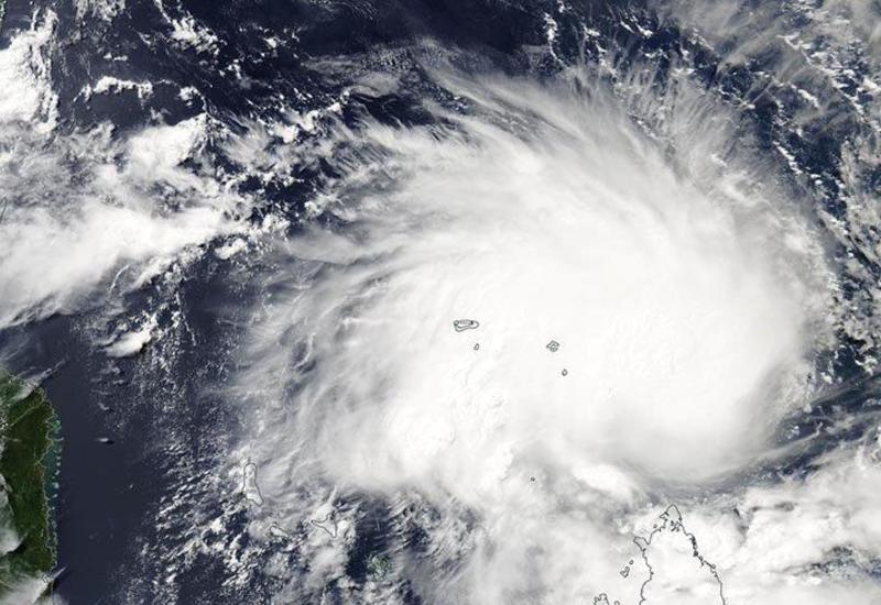 """В Мексике из-за циклона """"Присцилла"""" отменили занятия в тысячах школ"""