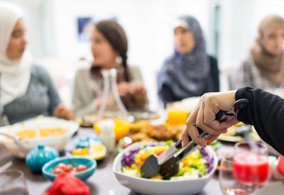 """Как правильно питаться в Рамазан? <span class=""""color_red""""> - Рассказывает диетолог</span>"""