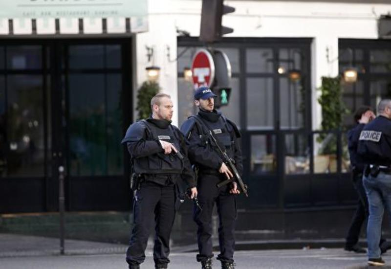 В Париже закрыли полицейский комиссариат из-за нашествия блох