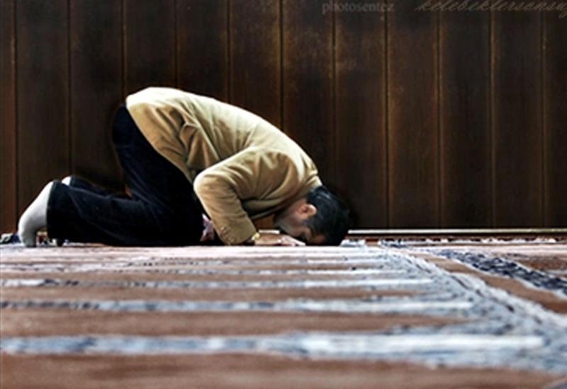 Azan verilməyə başlayan kimi namaz qılmağa başlamaq olarmı?