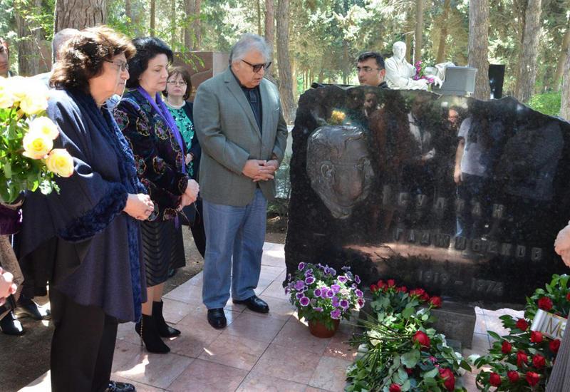В Баку почтили память Солтана Гаджибекова