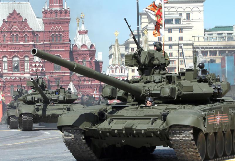 В Москве проходит военный парад