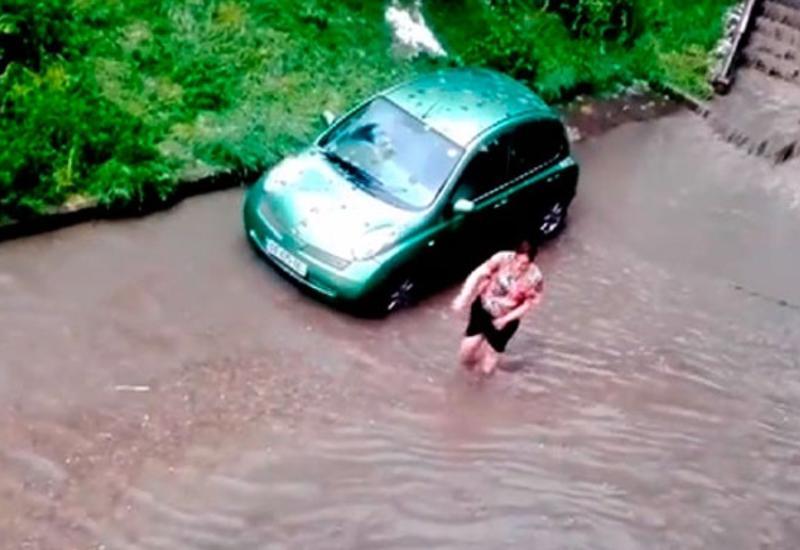 Мощные ливни затопили несколько районов Тбилиси