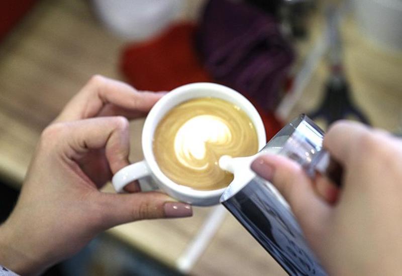 Врач объяснила опасность употребления кофе летом