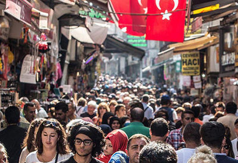 Azərbaycanda iş axtaran Türkiyə vətəndaşlarının sayı kəskin azalıb
