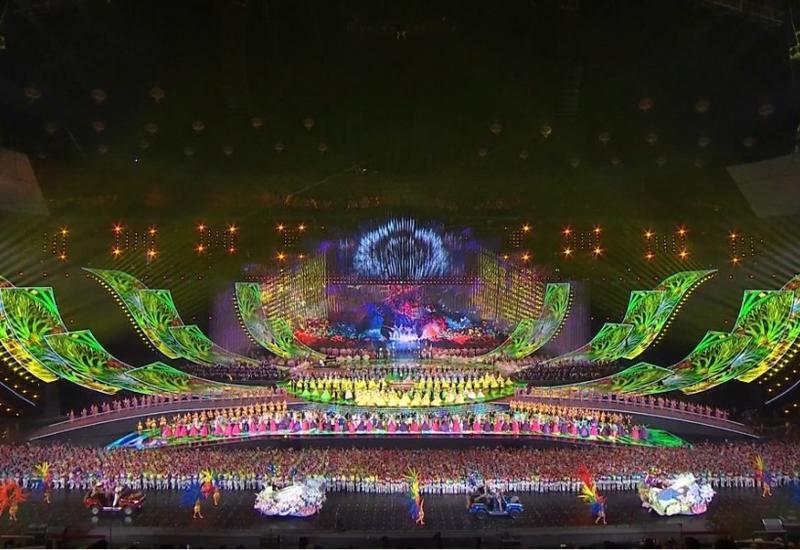 Госансамбль танца Азербайджана произвел фурор в Китае