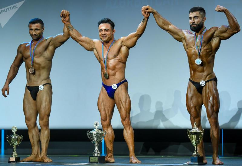 Железные мышцы: в Баку выбрали самых мускулистых бодибилдеров