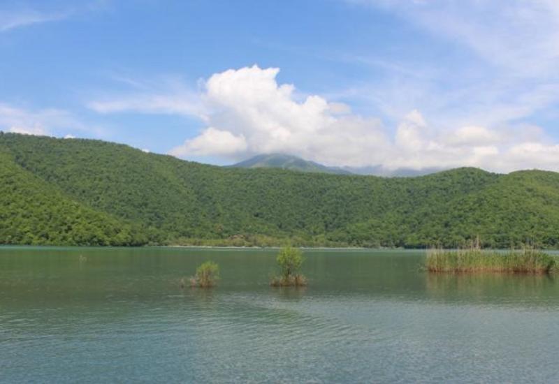 В Азербайджане полицейский утонул в озере
