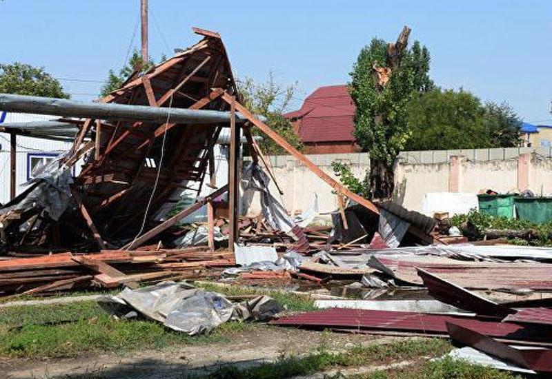 В Исмаиллы ветер оставил без крова вынужденных переселенцев