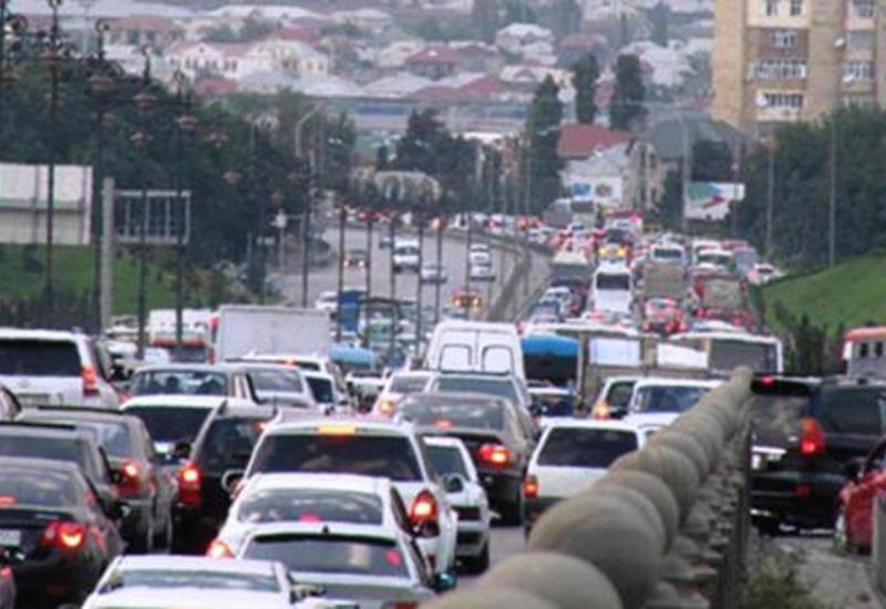 К сведению водителей! Ограничивается движение на трассе Баку-Сумгайыт