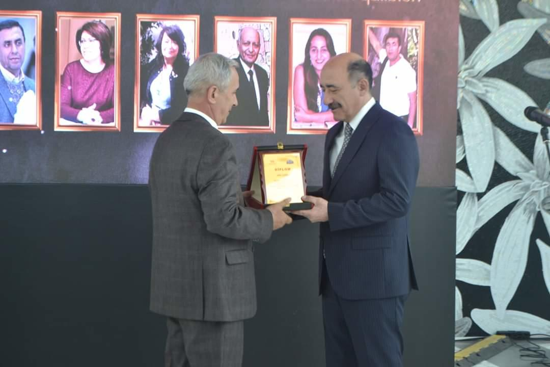 В Центре мугама состоялась церемония вручения литературной премии «Qızıl Kəlmə»