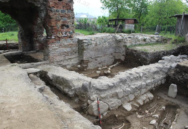 В Азербайджане обнаружен древний христианский памятник