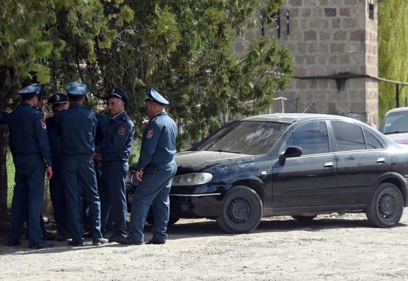 В Ереване покусали полицейских - 15 задержанных