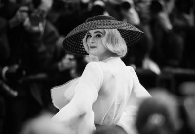 """Самый красивый образ Канн - Эль Фаннинг в Dior <span class=""""color_red"""">- ФОТО</span>"""