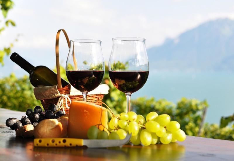 Азербайджан начал производить безалкогольное вино