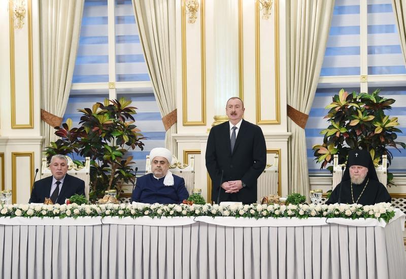Президент Ильхам Алиев принял участие в церемонии ифтара по случаю священного месяца Рамазан