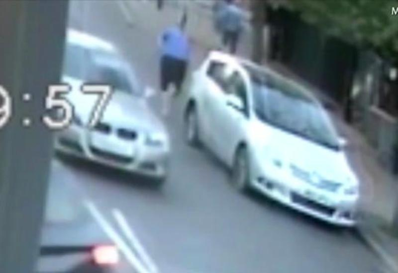 Водитель едва до смерти не забил 80-летнего мужчину, переходившего дорогу