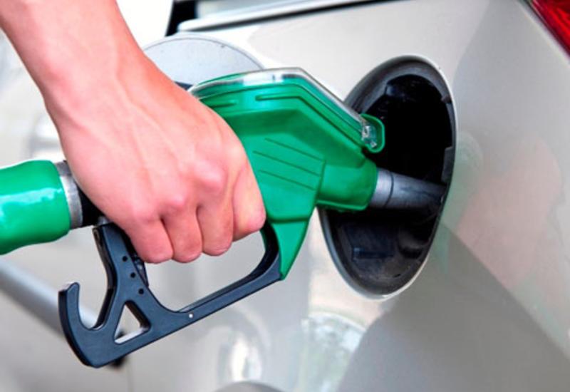 Наибольшее снижение цен на бензин среди стран Европы и СНГ зафиксировано в Азербайджане