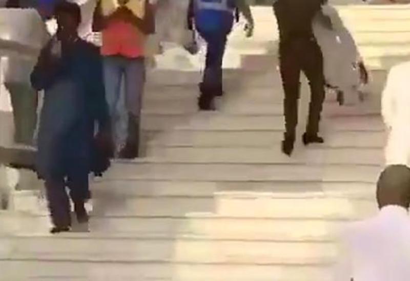 Саудовский полицейский растопил сердца пользователей соцсетей