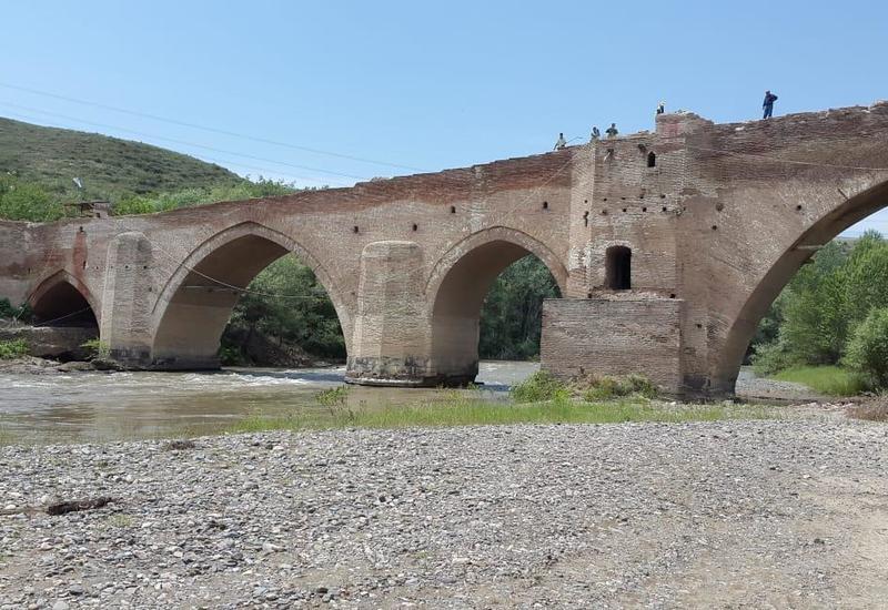 """Азербайджан восстановит """"Красный мост"""""""