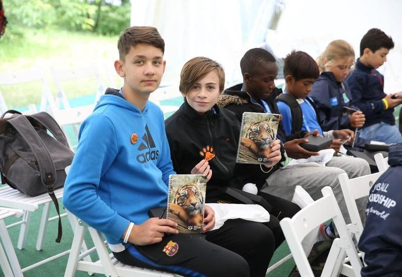 Юные послы «Футбола для дружбы» примут участие в подготовке мировой премьеры детской сказки о редких животных
