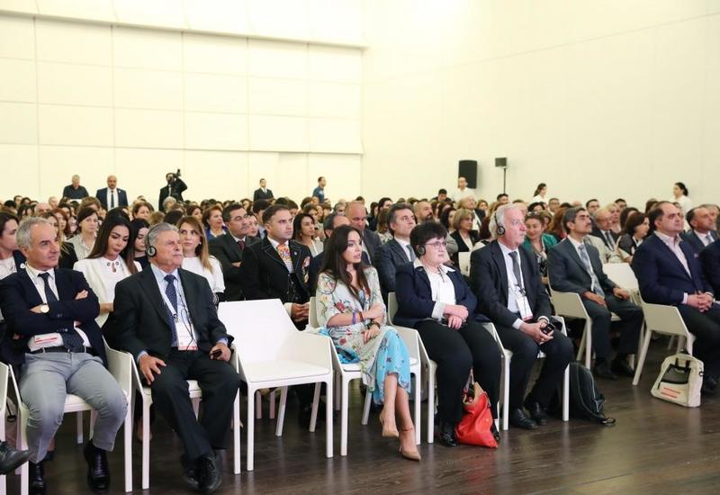 Вице-президент Фонда Гейдара Алиева Лейла Алиева приняла участие в I Азербайджанском международном конгрессе специалистов по гематологии