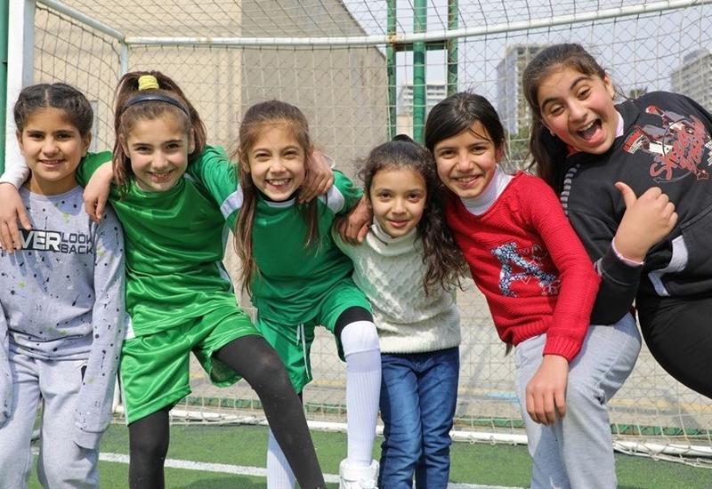 Впервые в истории финалов Евролиги: 22 азербайджанские девочки выведут футболистов на поле