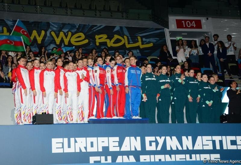 В Баку состоялась церемония награждения победителей Чемпионата Европы по аэробной гимнастике в командном зачете среди взрослых гимнастов