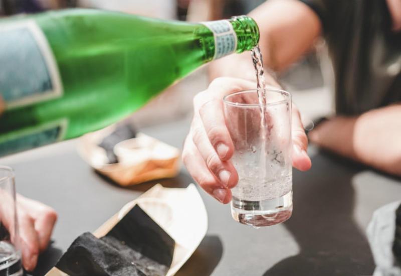 Вопрос жаркого лета: Можно ли напиться холодной газированной водой?