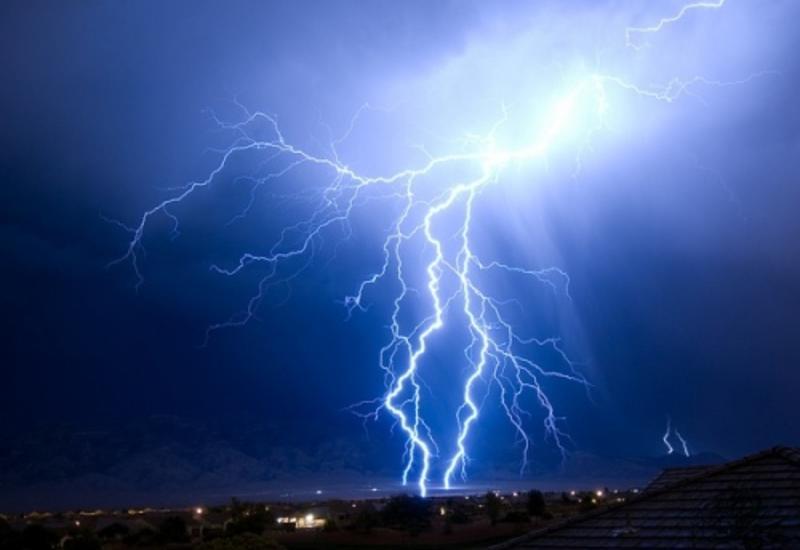 В Индии от ударов молний погибли почти 30 человек