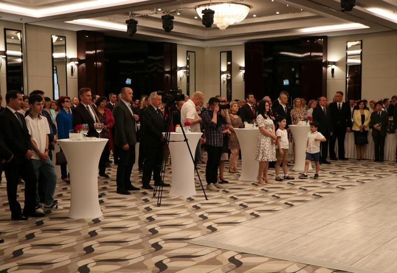 В Молдове отметили День республики Азербайджана