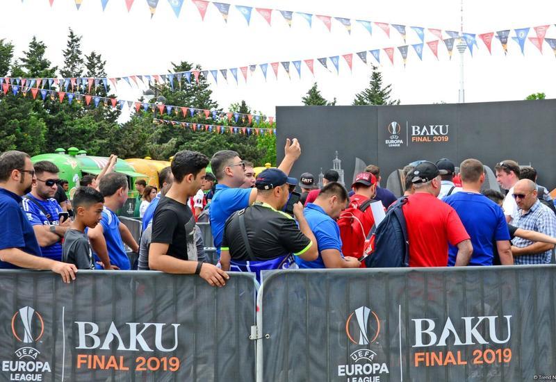 Финал Лиги Европы: Британские фанаты в восторге от бакинского гостеприимства