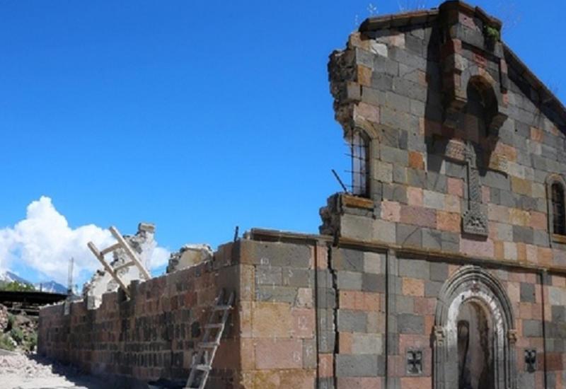 Армянские вандалы разрушили грузинский храм