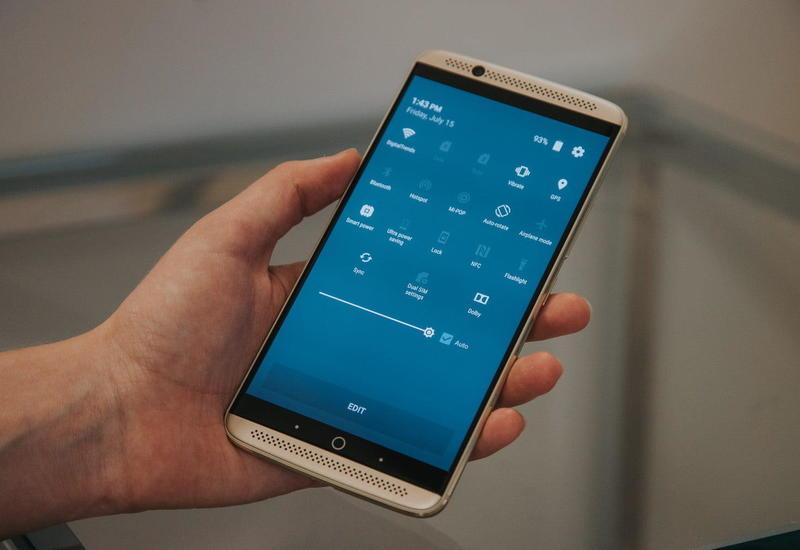 Найдена связь между развитием рака и использованием смартфонов
