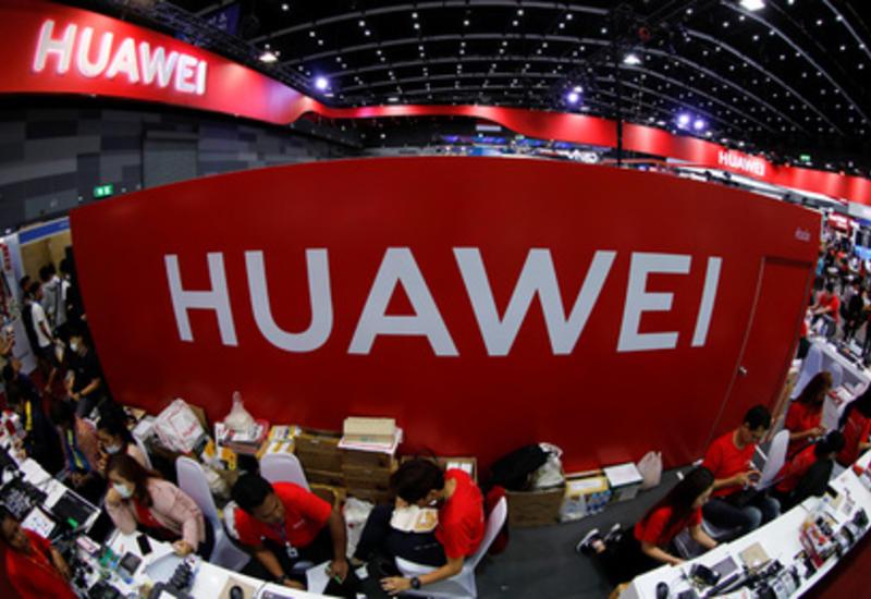 Huawei обойдется без российского аналога Android