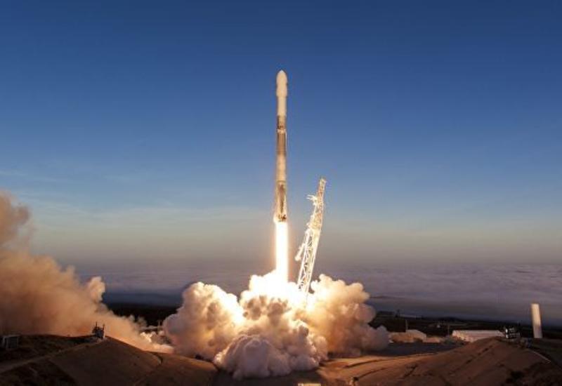 Ракета-носитель Falcon 9 стартовала с космодрома в Калифорнии